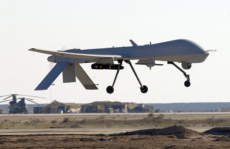 air_uav_mq-1_predator_armed_landing_lg